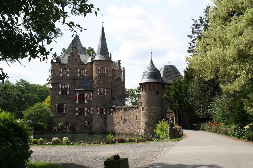 Burg Satzvey5